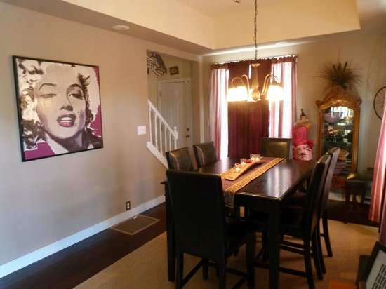 The Fischer House: Fischer House, Dining Room