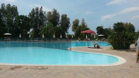 VOI Arenella resort: La piscina