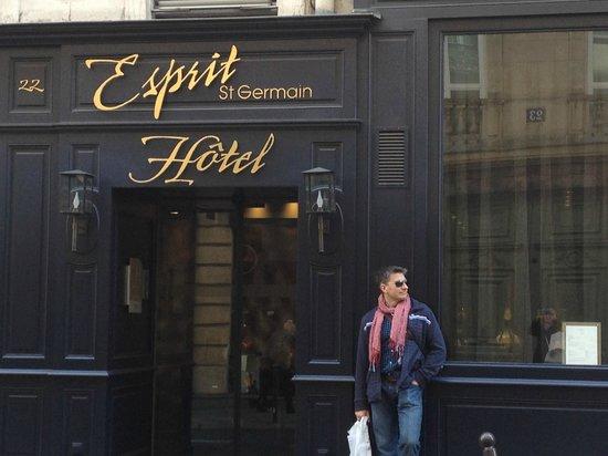 Hotel Esprit Saint Germain: Front door