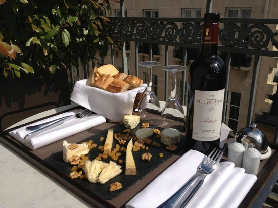 Hotel Esprit Saint Germain: Enjoyed on the terrace