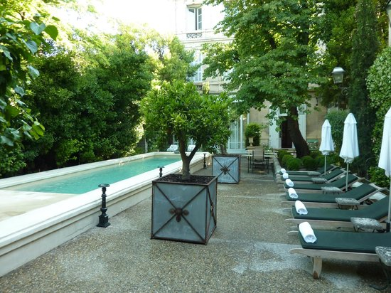 la piscine picture of hotel particulier arles tripadvisor. Black Bedroom Furniture Sets. Home Design Ideas