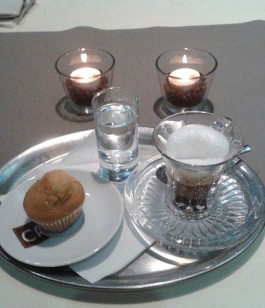 Le Monde: Cafe
