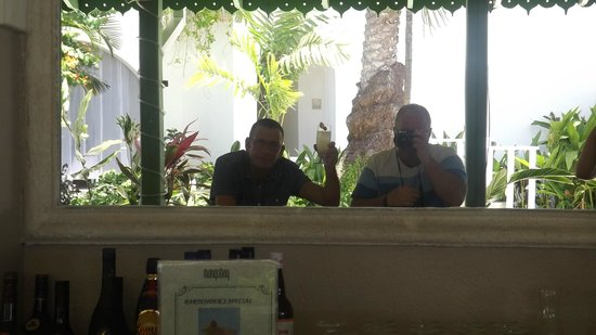 Mango Bay All Inclusive: cheers to all 4 of us ( hic )