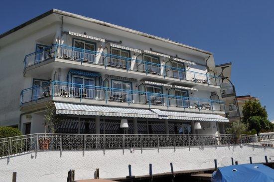 Hotel Ristorante Giardinetto: hotel from the lake