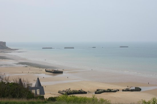 Omaha Beach : the beach
