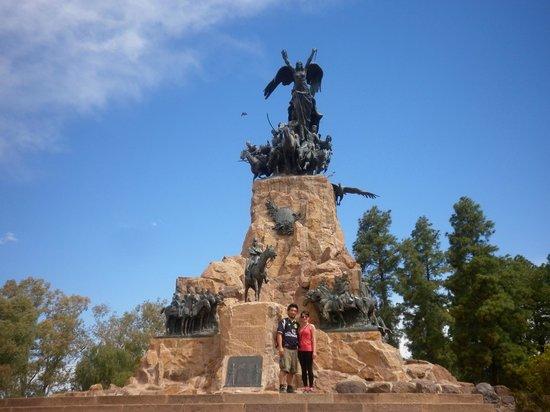 The Hill of Glory (Cerro de la Gloria): monumento a san martin