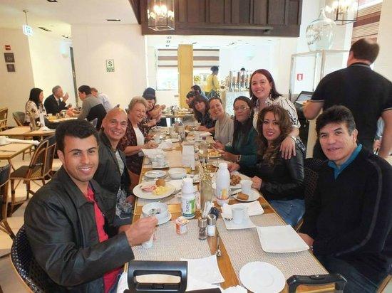 The Westin Lima Hotel & Convention Center: CON COMPAÑEROS EN EL COMEDOR