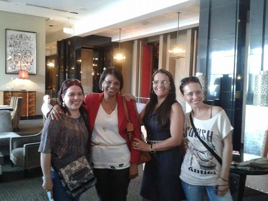The Westin Lima Hotel & Convention Center: CON COMPAÑEROS DE BRASIL EN EL LOBBY DEL HOTEL