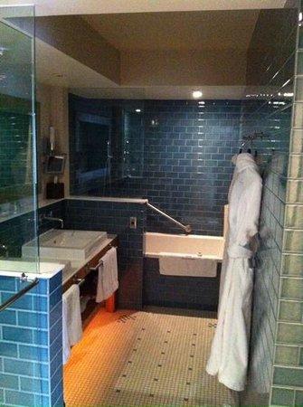 Auberge Saint-Antoine: salle de bain