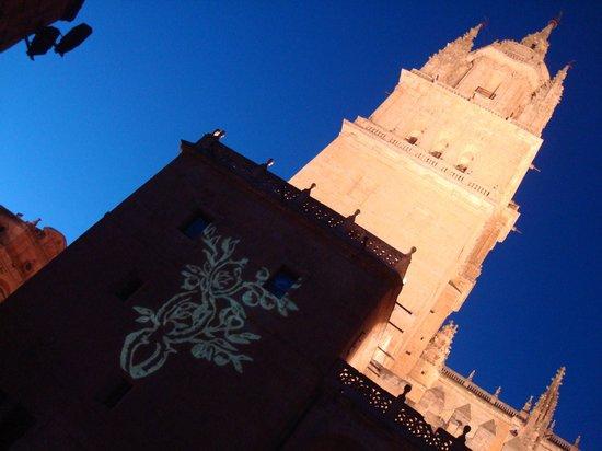 Salamanca's Plaza Mayor: mosteiros
