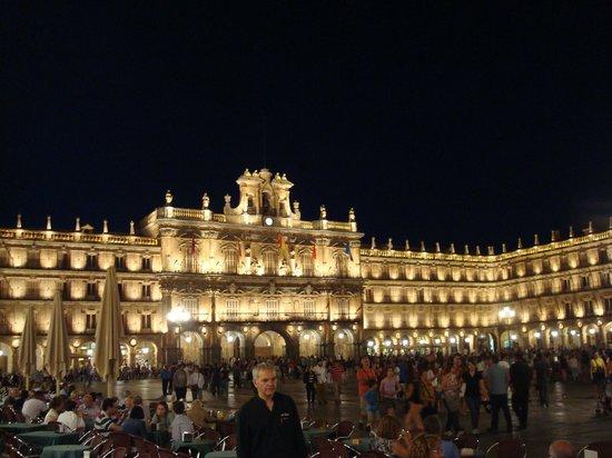 Salamanca's Plaza Mayor: plaza central