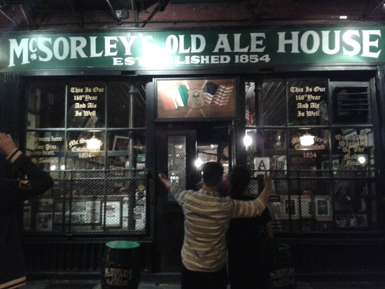 McSorley's Old Ale House: Esterno