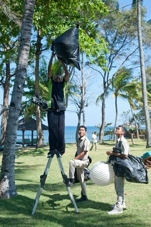 Jeeva Klui Resort: Wedding decoration prep