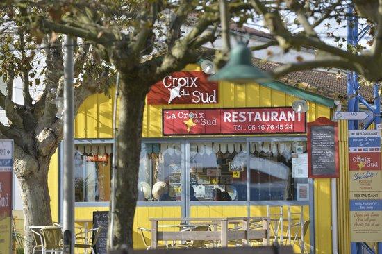 La Croix Du Sud restaurant : La Cabane jaune