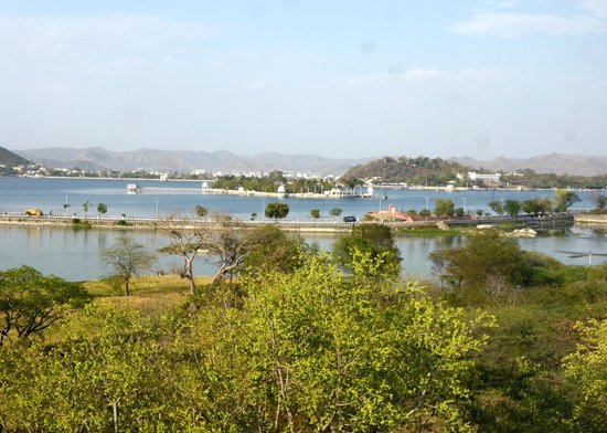 Radisson Blu Udaipur Palace Resort & Spa: The beautiful view from our room