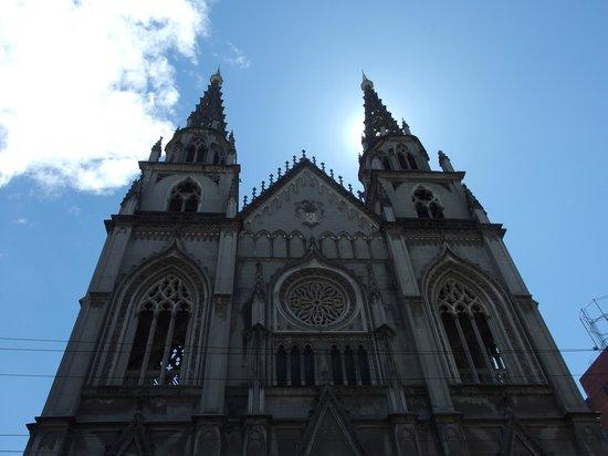 Avenida Amazonas: Igreja Sta. Teresinha