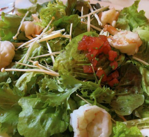 The Mark Restaurant by Jean Georges: Mixed greens and steamed shrimp salad.