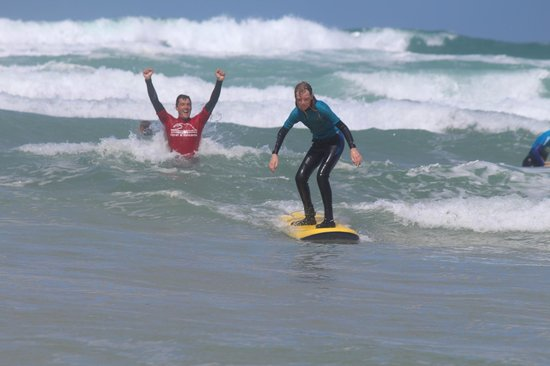 Fistral Beach Surf School : In the right position … Dani delighted ….