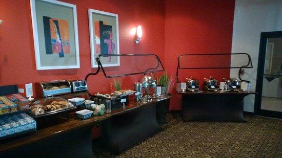 Sheraton Suites Orlando Airport: Breakfast buffet
