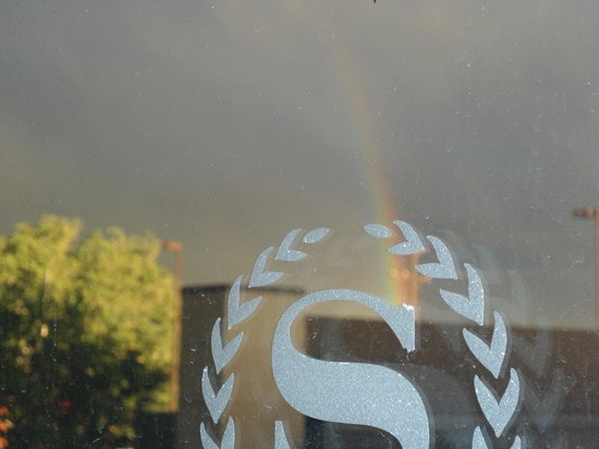 Sheraton Albuquerque Uptown: nice rainbow