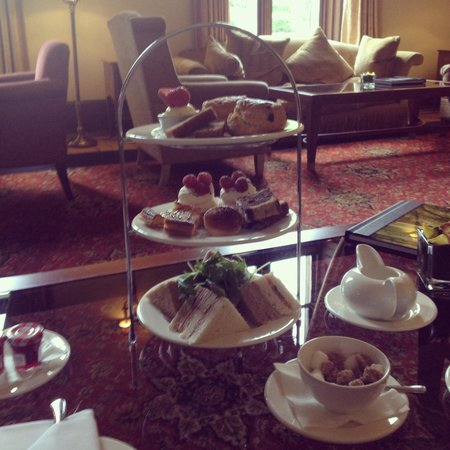 Mar Hall Golf & Spa Resort : Afternoon tea :)