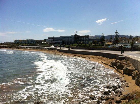 The Island Hotel: Hotel and beach