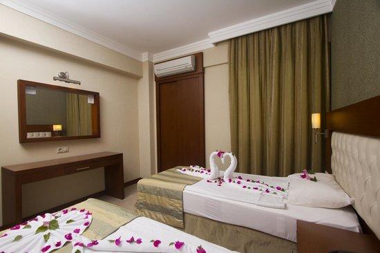 Club Aida: bedroom
