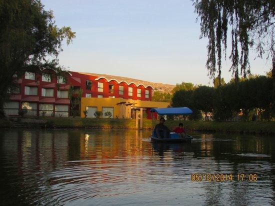 Hotel El Lago Estelar: Entrada al hotel