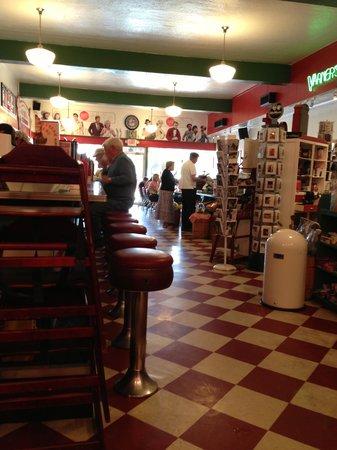 Rocky's Grill & Soda Shop : The 'bar' scene.