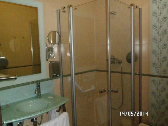 Hotel Convento Cadiz: Cuarto de baño