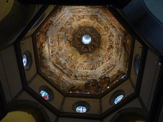 Kathedrale Santa Maria del Fiore: the dome. See the people up there?