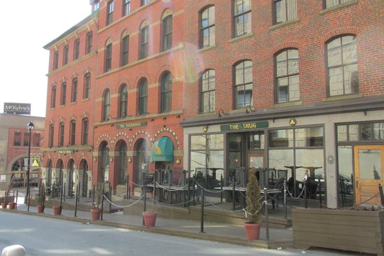 The Old Triangle Irish Ale House: Exterior