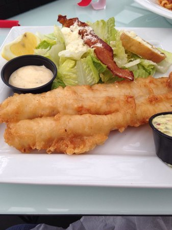 "Corks Restaurant : Fish and ""chips"" substitutes with Caesar salad"