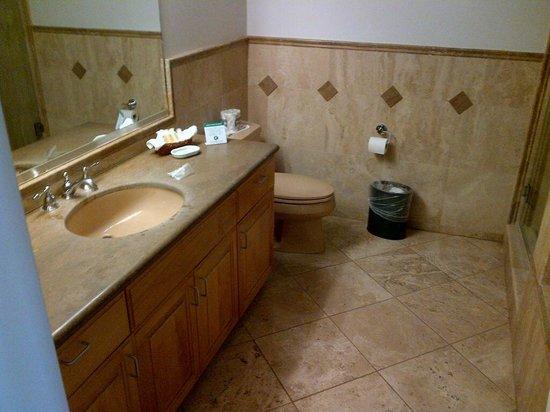 Little Sur Inn: Bathroom 2
