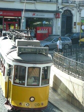 Bairro Alto Hotel: passage de la ligne 28