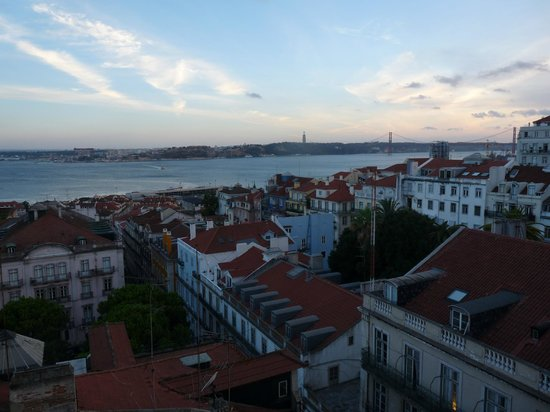 Bairro Alto Hotel: vue de la terrasse de l'hôtel
