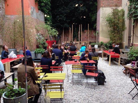 Photo of Cafe Atelier en Ville at Rue Haute 64, Brussels 1000, Belgium