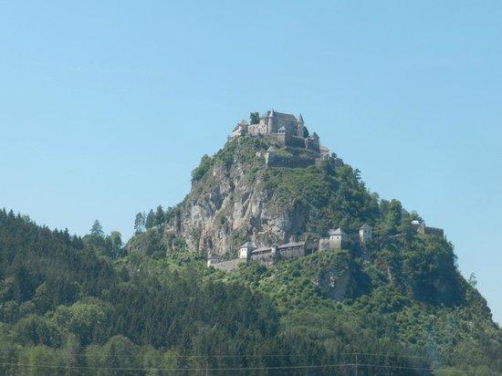 Hochosterwitz Castle (Burg Hochosterwitz) : From a distance