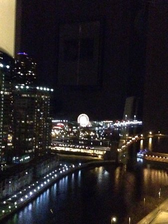 Swissotel Chicago : Navy pier