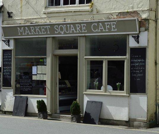 No 5 Market Square: Market Square Cafe, Mevagissey