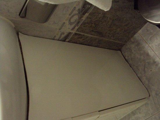 Hostal Asuncion: Vista del lavamanos