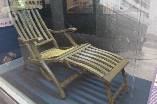 Maritime Museum of the Atlantic : Titanic desk chair