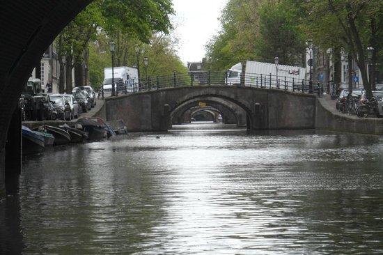 Singel : Ponte sobre o canal