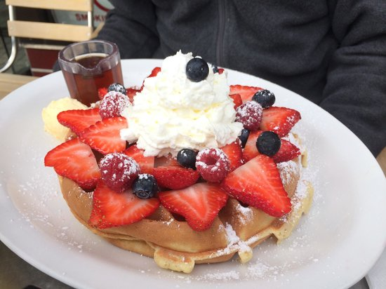 Joanie's Happy Days Diner : Belgian waffles