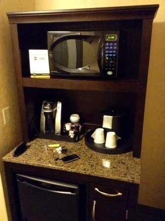 Hilton Garden Inn Toronto Downtown: coin cafe micro ondes...:-(