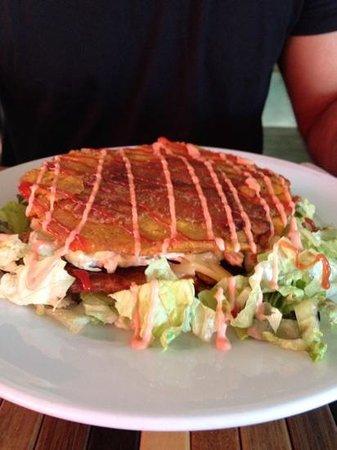 Kaxapa Factory: chicken & avocado patacone