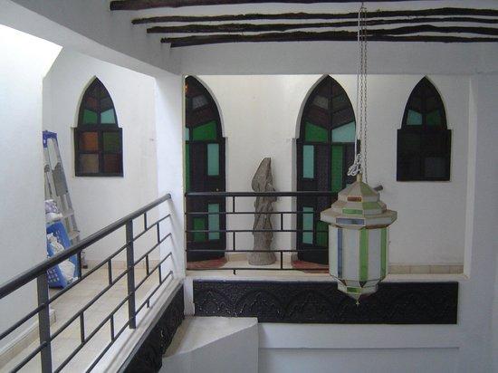 Ryad Laarouss: Mezzanine