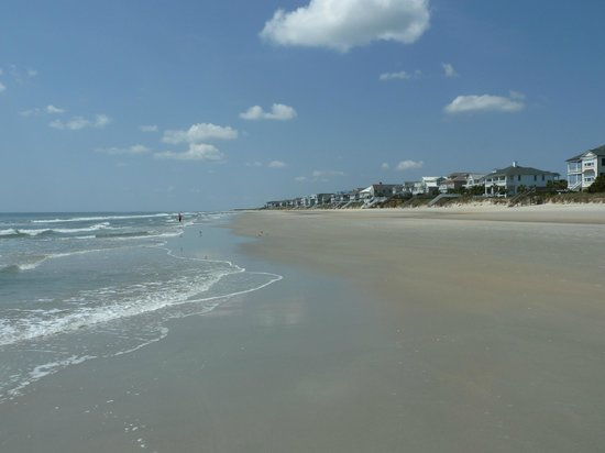 Litchfield Beach & Golf Resort: The beach off the resort