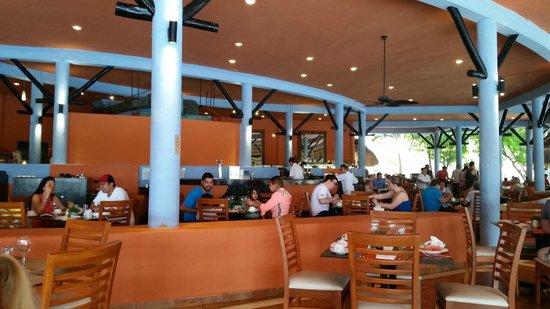Catalonia Yucatan Beach: Buffet