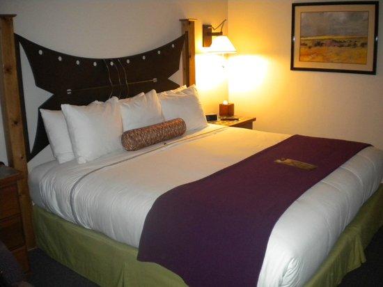The Gonzo Inn: Bedroom